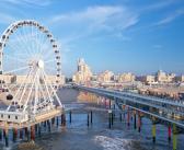 Reuzenrad boven zee geopend op De Pier