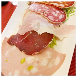 vleeswaren assorti vino