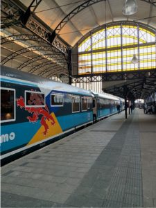 De dinner train komt in Den Haag