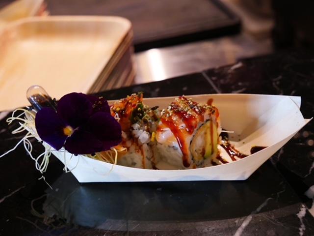 Sushi roll foodhall scheveningen